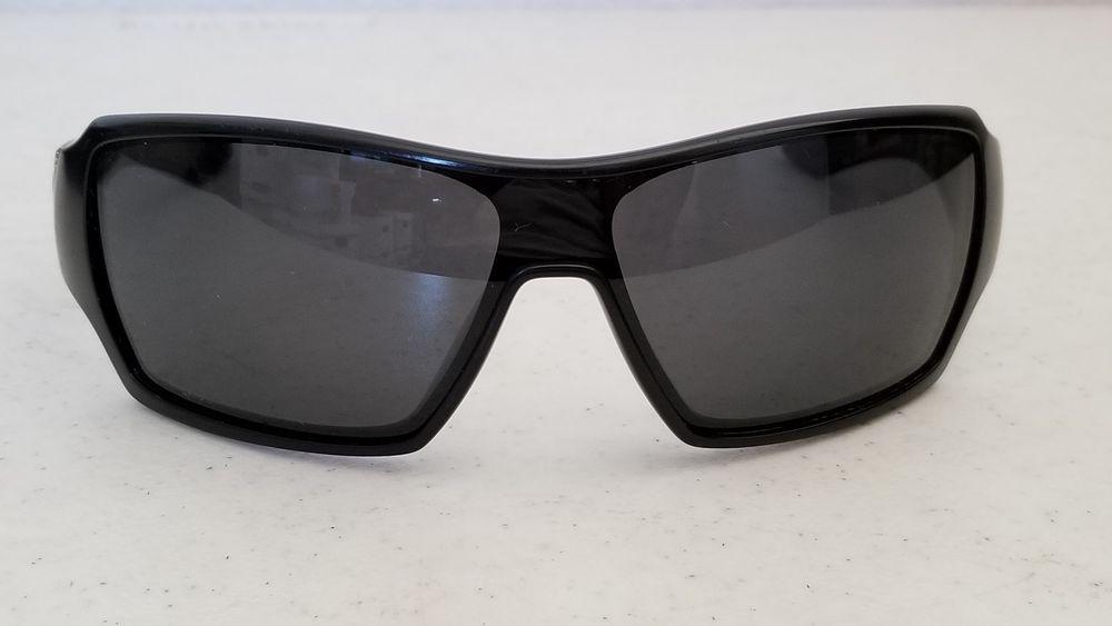6105336e03a27  49.95 Used Oakley OffShoot 009190-01 127 Matte Black Frame Black Polarized  Lenses  Oakley  Shield