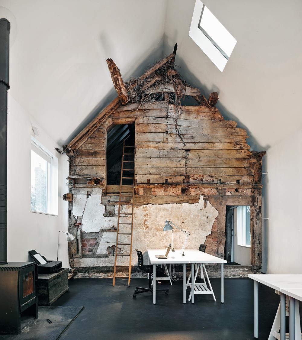 Magazin: Ruine inschwarzem Wellblech - DETAIL inspiration #arquitectonico