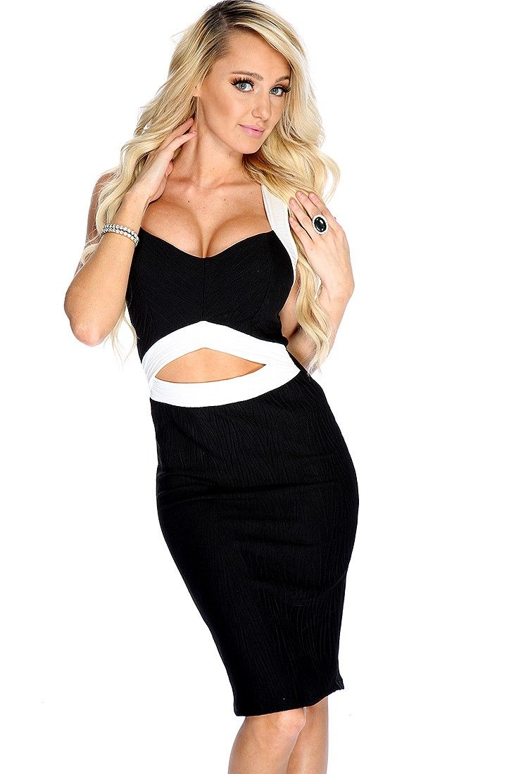 Make a bold statement with this sexy dress! Featuring sleeveless, two tone, V neck, cut out, pleated, followed by a fitted wear. 95% polyester, 5% spandex.http://www.amiclubwear.com/clothing-dress.html
