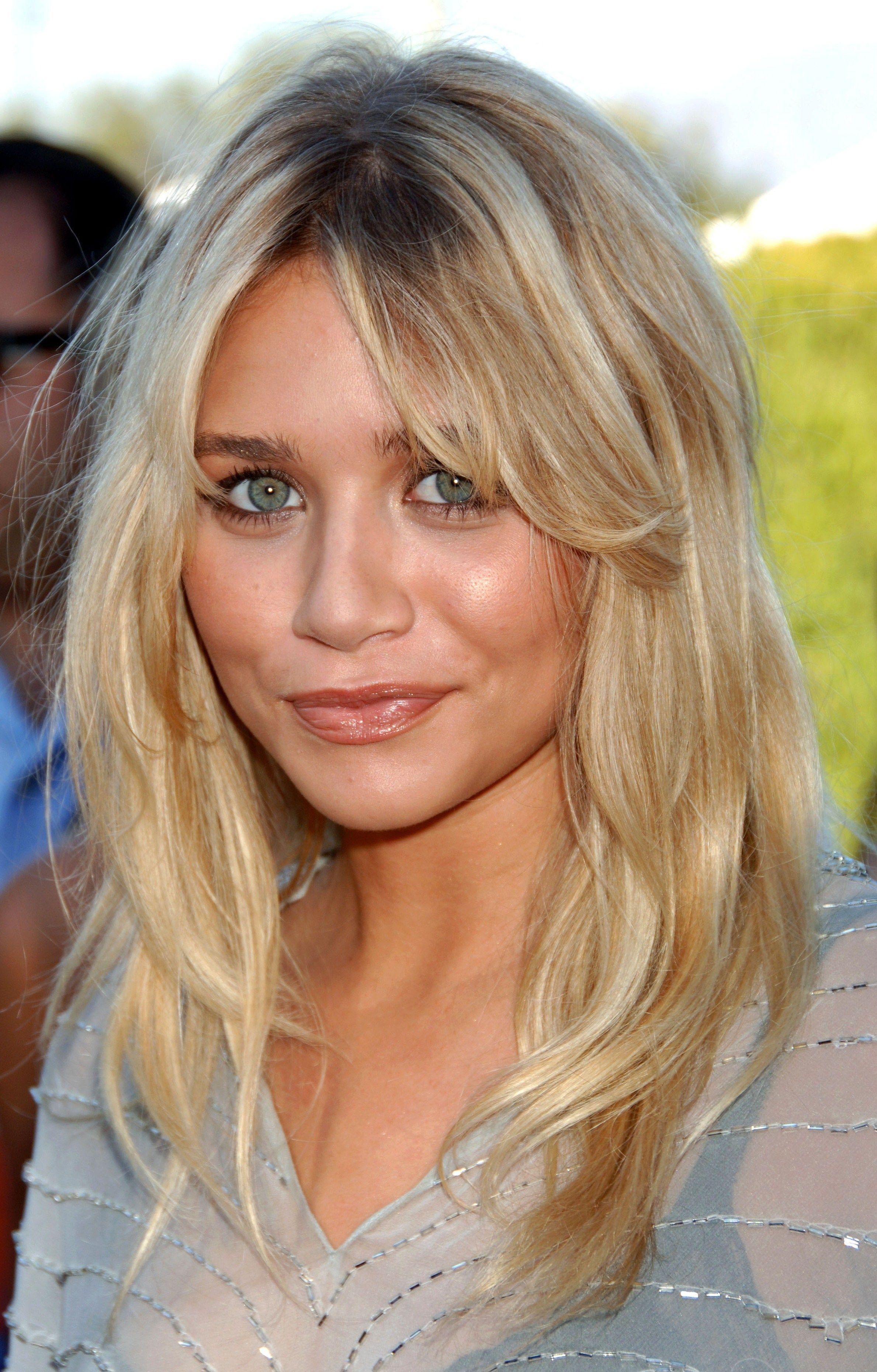 Ashley Olsen Coupe Cheveux Tres Court Cheveux Blond Cendre Cheveux Longs Ondules