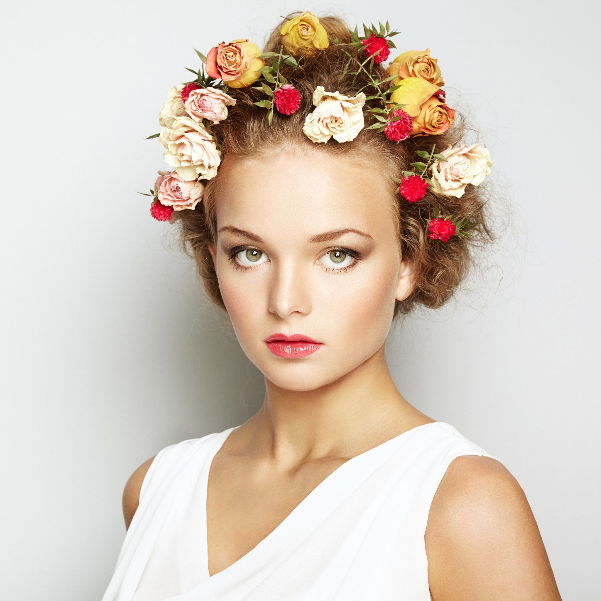 Beautiful woman with flowers perfect face skin beauty portrait beautiful woman with flowers perfect face skin beauty portrait beautiful woman with flowers izmirmasajfo