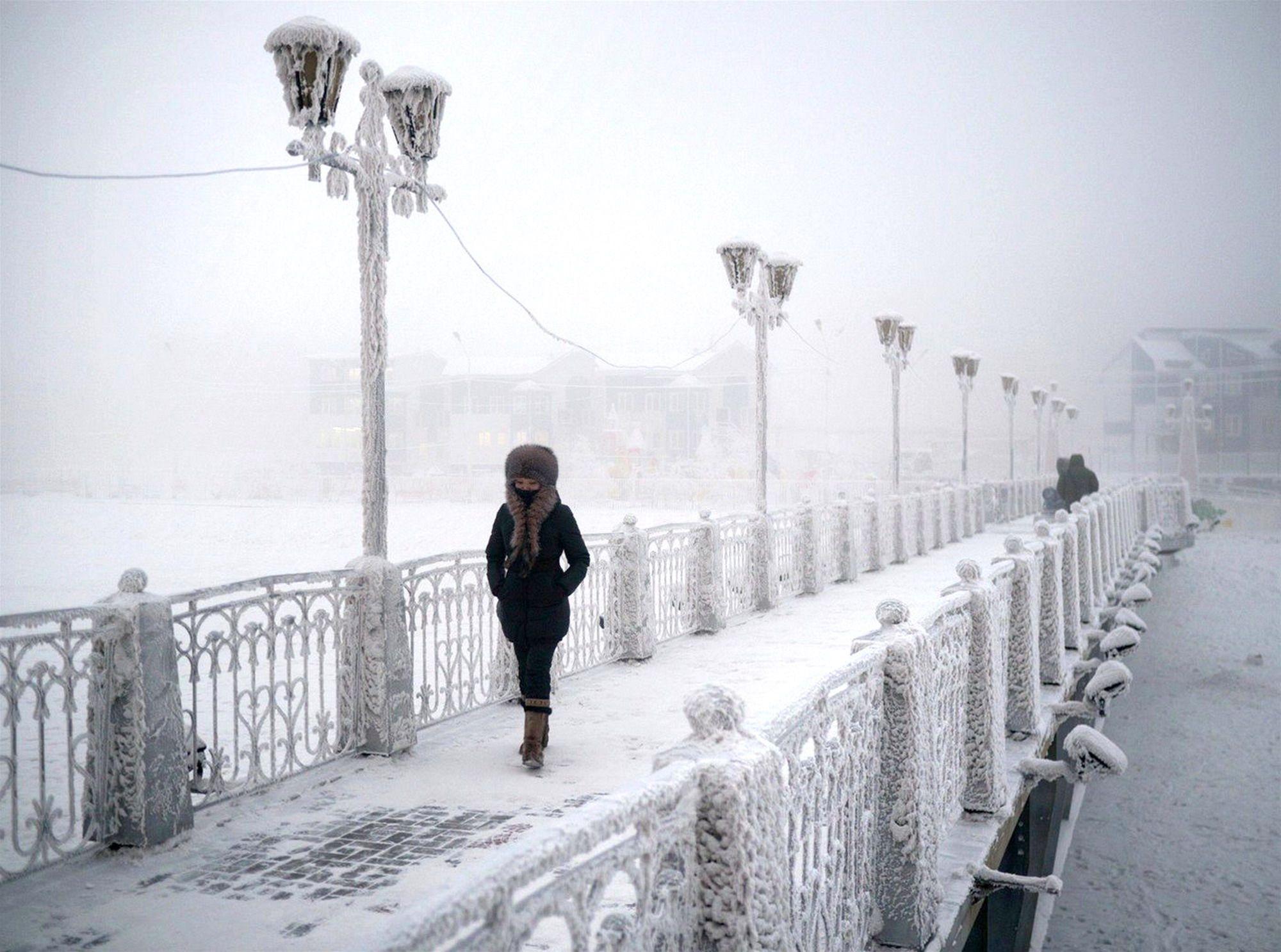 È IN RUSSIA IL VILLAGGIO PIU FREDDO AL MONDO ... quasi 70 sotto zero !!!