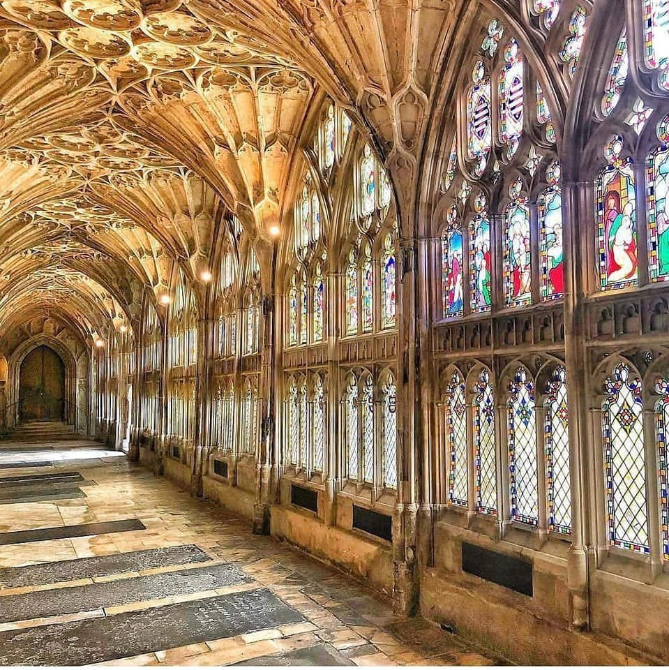 Pin By Monique M On Estilo Ojival Y Mas Gloucester Cathedral Hogwarts Cathedral