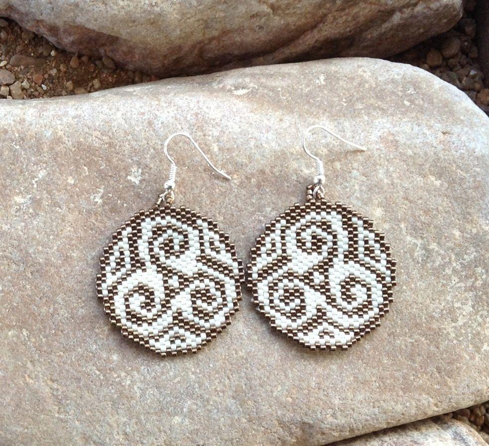 Round Southwest Peyote Beaded Earrings | DIY ...