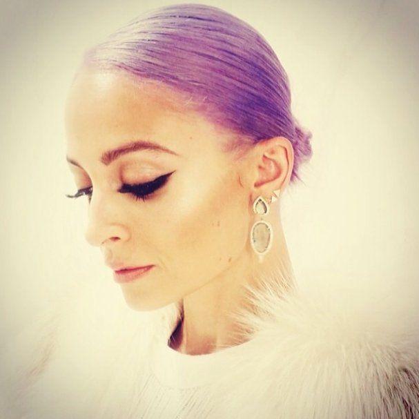 Pin for Later: Die Stars tragen Haare in allen Regenbogenfarben Nicole Richie Quelle: Instagram user nicolerichie