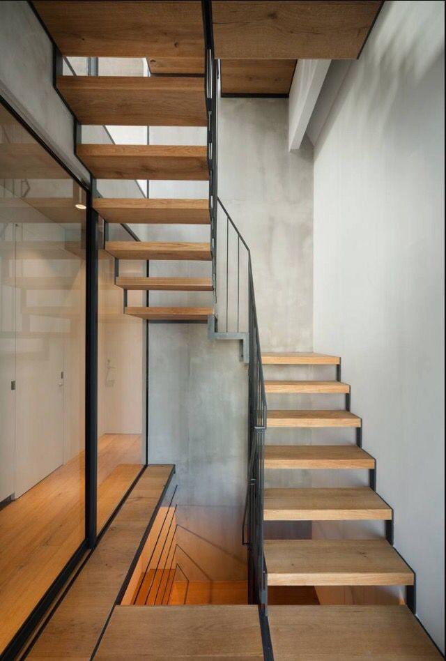 Best Half Landing In Minimal Stairs With Images Stairs 400 x 300