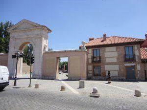 Casas Y Pisos En Casco Historico Alcala De Henares Idealista Casas De Un Piso Estilo En El Hogar Casas