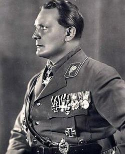 Elentrompe: Hermann Goering
