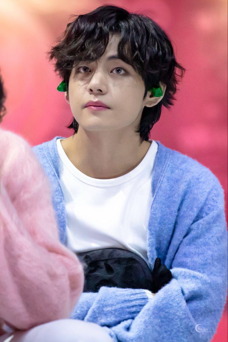 5 1 2020 Gda In 2020 Kim Taehyung V Taehyung Taehyung