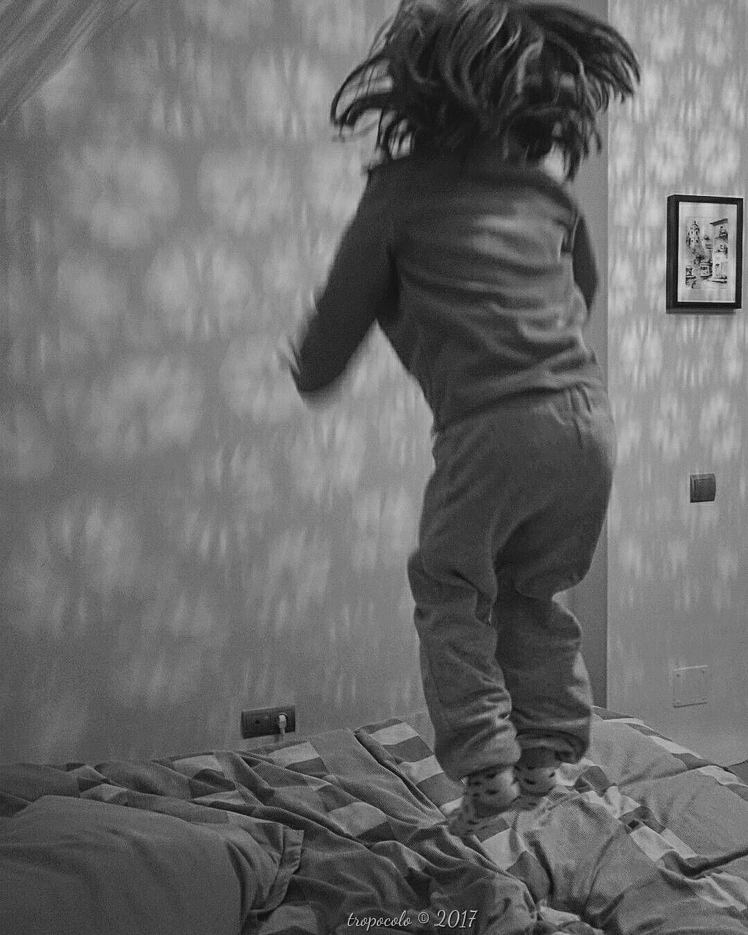 60/365 Go ahead and jump #criandoEnByN #vanHalen #jump #pequeMayor #girl #instagood #instakids #kids  #vsco #vscogood #vscogrid #vscohub #vscocam  #bnw_life  #sony #sonyA7 #A7 #sonyCamera #sonyAlpha #Alpha #alphaCamera #blackandwhitephoto #igersbnw #humonegrophoto #blackandwhite #blackandwhitephotography #love #family #life #photoshoot -------------------------------------------------- Todos los derechos reservados  tropocolo 2017