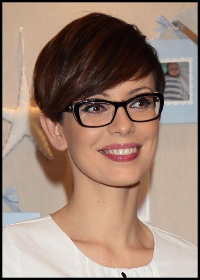 Kurzhaarfrisuren mit brille bilder