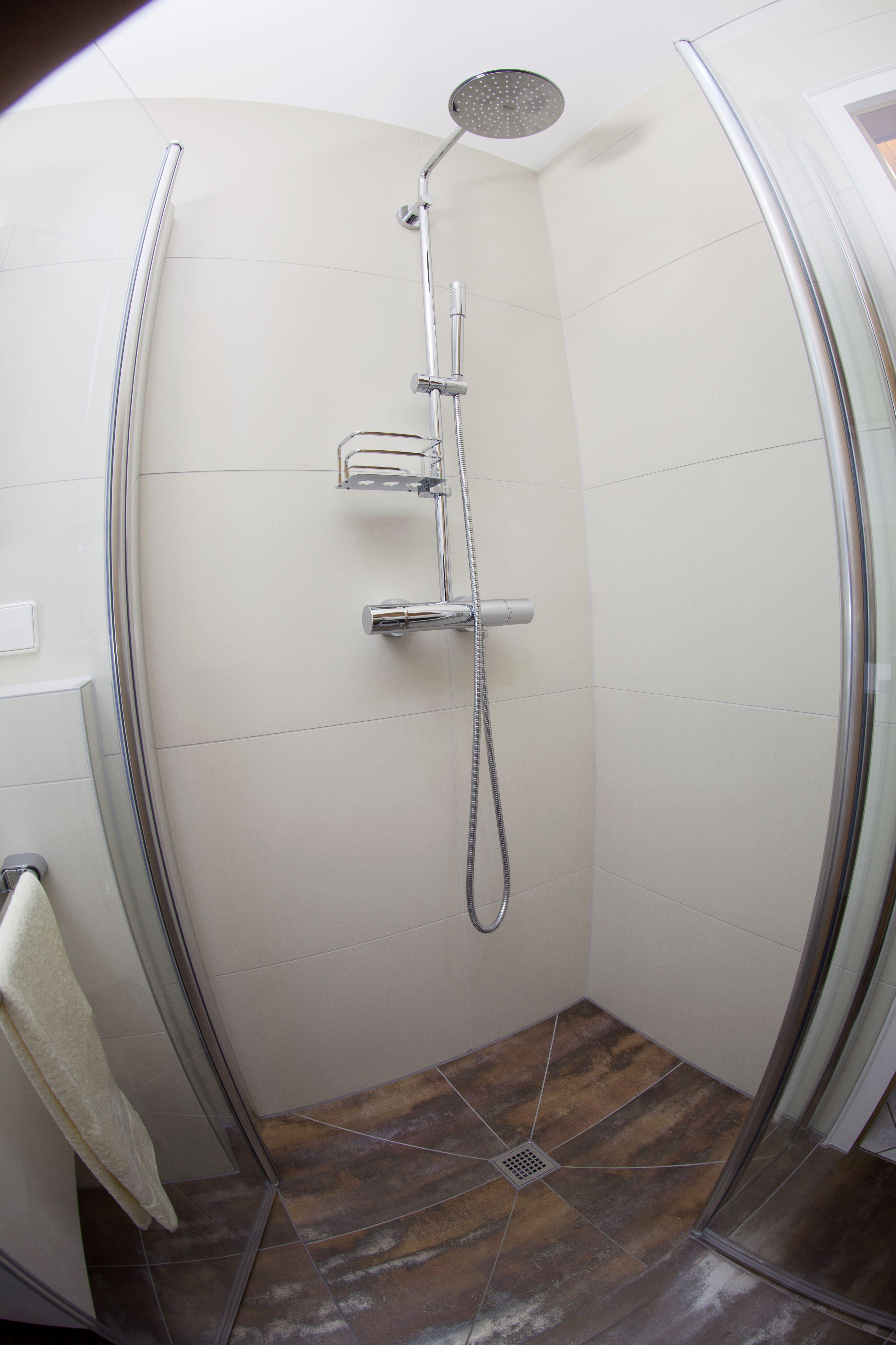 Barrierefreies Duschbad für die Zukunft | Badezimmer der Vitus König ...