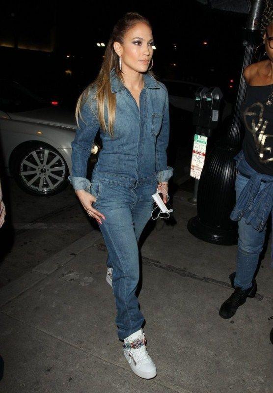 41fc33b50547 jennifer-lopez-craigs-restaurant-joes-jeans-jumpsuit
