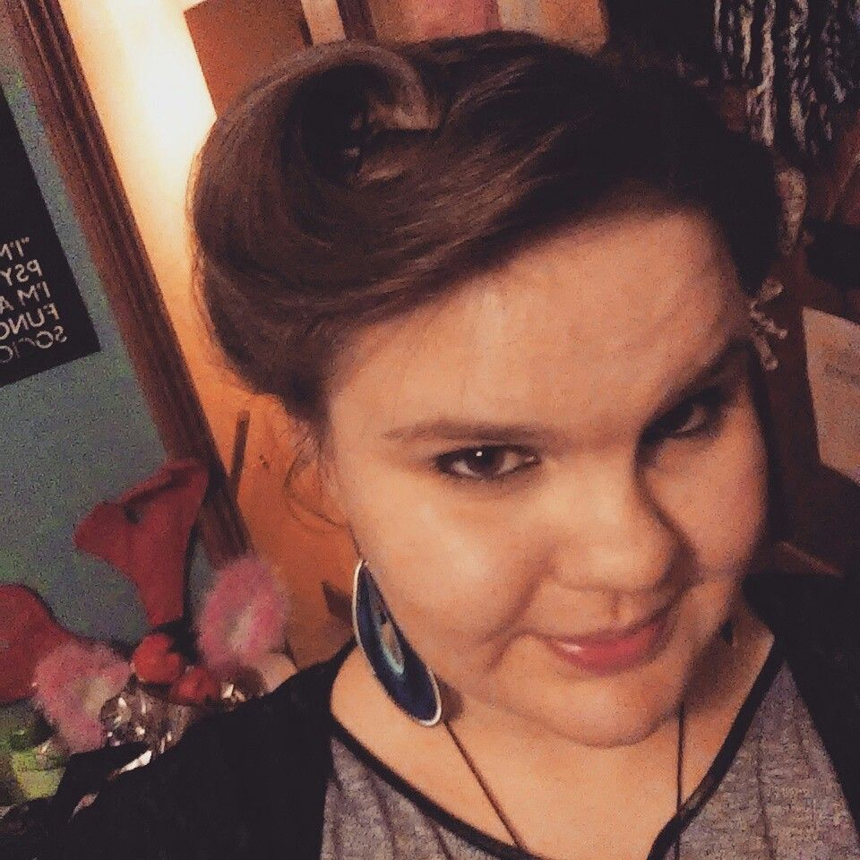 Going for a s look victory rolls rapunzel pinterest victory