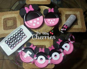 Minnie Mouse dessert plates (Minnie Mouse plates) (Minnie Mouse Party) (Minnie cake plates) & Minnie Mouse dessert plates Minnie Mouse by TheBitsyCherries | Avau0027s ...
