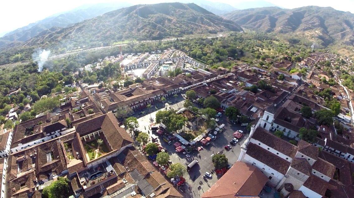Santa Fe de Antioquia  Foto desde el aire www.ideartv.com