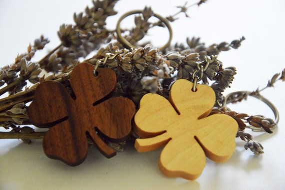 Cherry Wooden Four Leaf Keychain Lucky Keychain Environmental Friendly Green materials