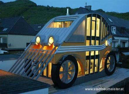 Casa temática con forma de automóvil