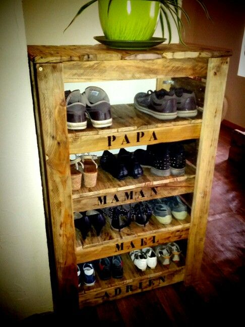 meuble a chaussure en bois de palette rejoignez moi sur facebook decorecupbois. Black Bedroom Furniture Sets. Home Design Ideas