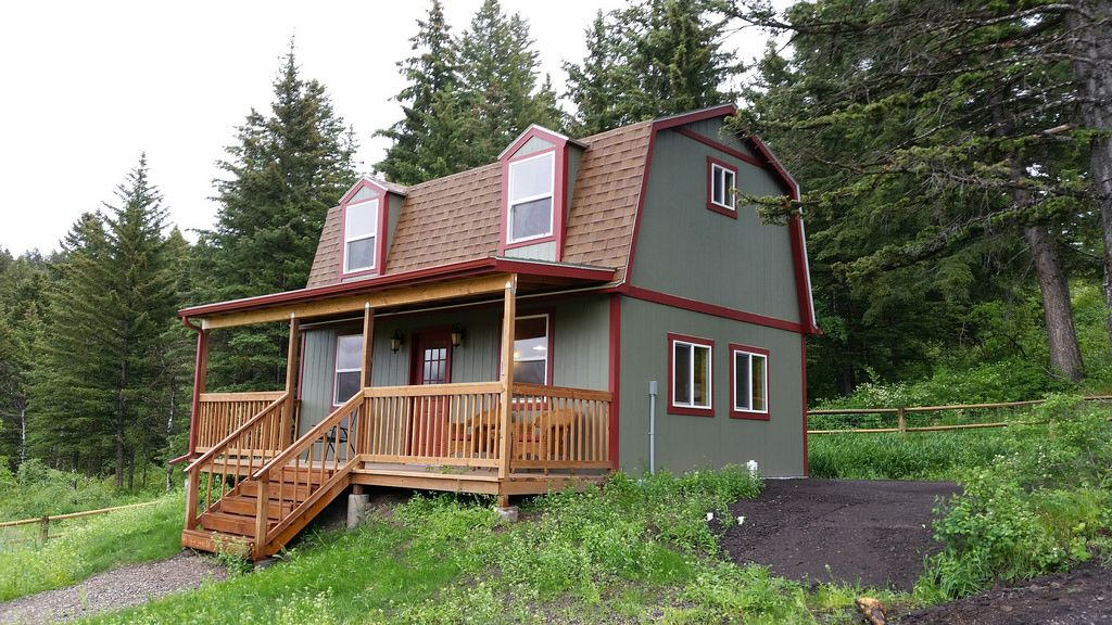 Sundance Tbd 800 Shed To Tiny House Tiny House Rentals Shed Cabin
