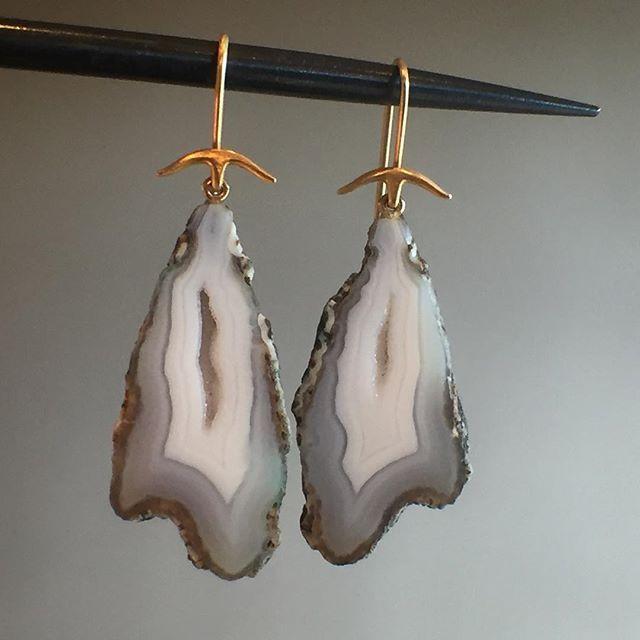 White geode earrings by Gabriella Kiss. #gabriellakiss #geode #18k #futureheirlooms #lovegold #augustla