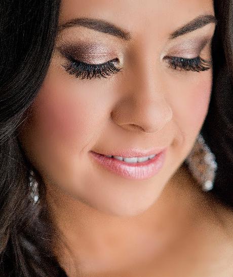 Wedding makeup? Mobile makeup artist, Makeup artist