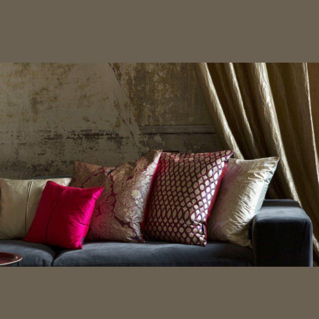 Exklusive Stoffe Nicht Nur Unsere Leder Sondern Auch Unsere Stoffe Sind Exklusiv Aussergewohnlich Und Von Hochster Qualitat In 2020 Pillows Throw Pillows Home