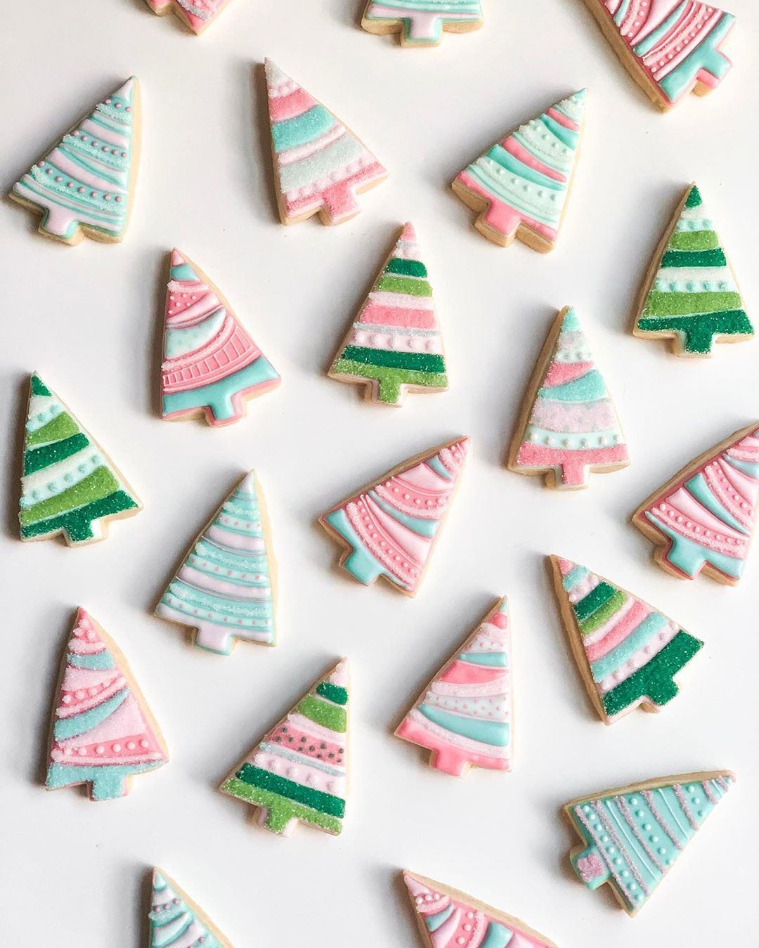 """Mik & Cookies Co. on Instagram: """"HELLO, DECEMBER! Let's kick the month off with some m…   Iced christmas cookies, Christmas sugar cookies, Fancy christmas ornaments"""