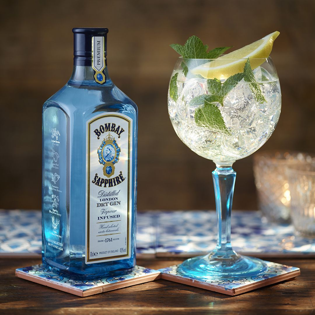 Ingredients 50ml Bombay Sapphire 6 Mint Leaves 25ml Lime Cordial 100ml Premium Tonic Water Lime Wedge And Mint Sprig Fo Gin Tasting Gin Recipes Gin Cocktails
