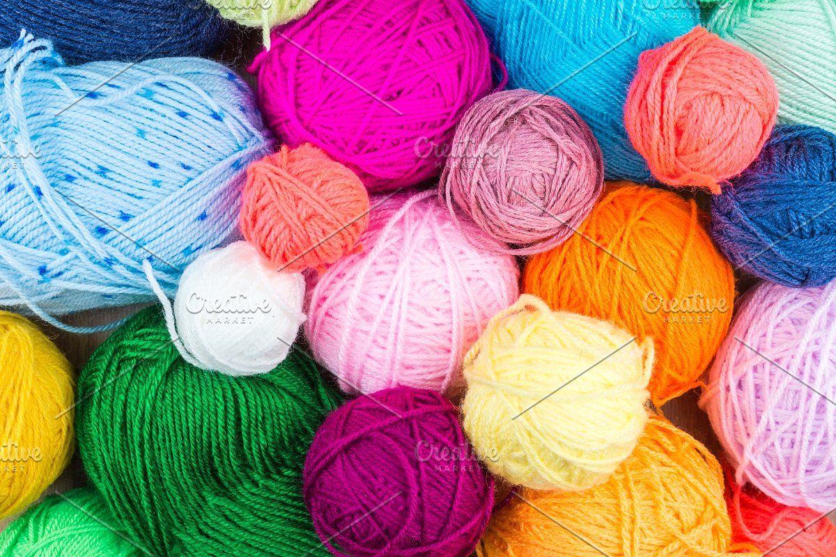 Photo of knitting needles with a ball #Sponsored , #sponsored, #yarn#ball#knitting#backgr…