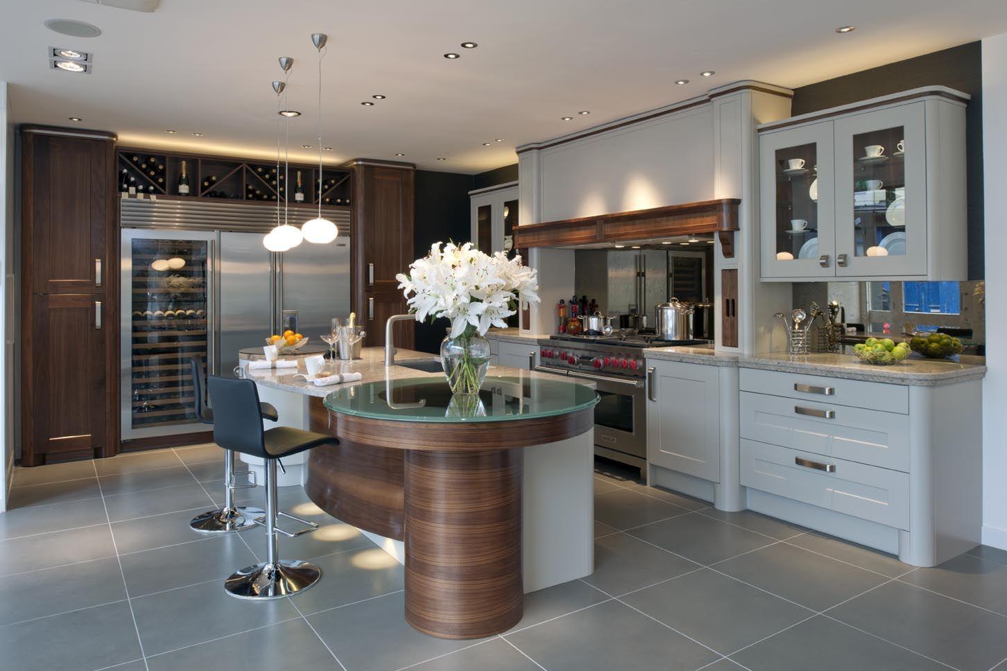 Cozinha Contempor Nea Com Ilha Redonda Com Tampo De Vidro Cozinhas