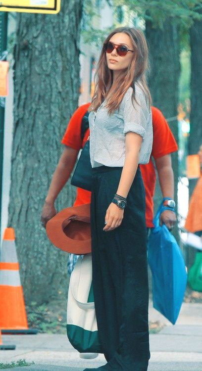Pantalon à jambe large tendance Elizabeth Olsen