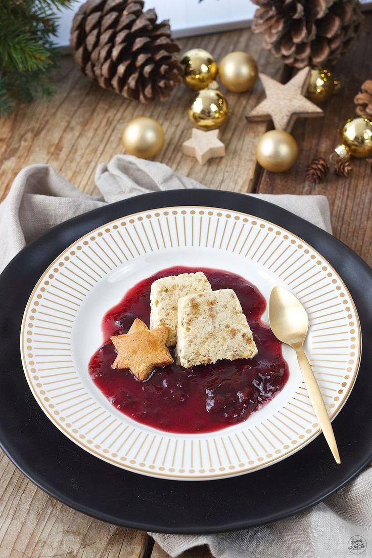 Lebkuchenparfait mit Rotweinzwetschgen - Rezept - Sweets & Lifestyle