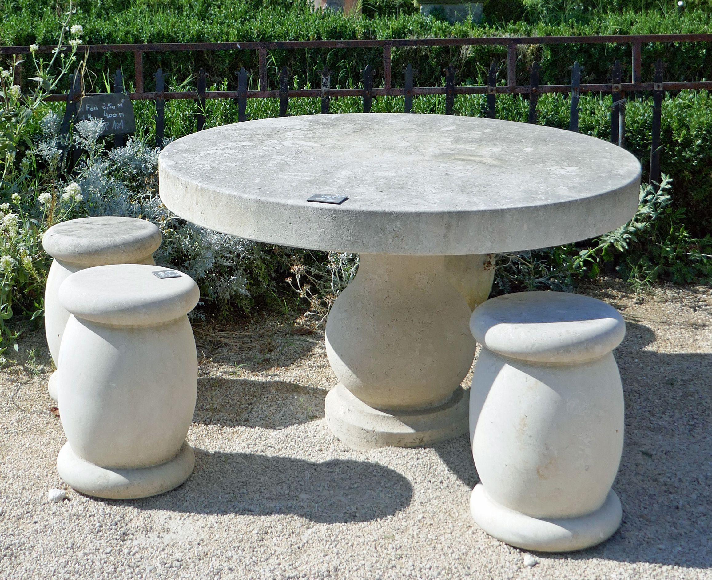 Plateau De Table En Pierre Naturelle ce bel ensemble de mobilier extérieur en pierre naturelle
