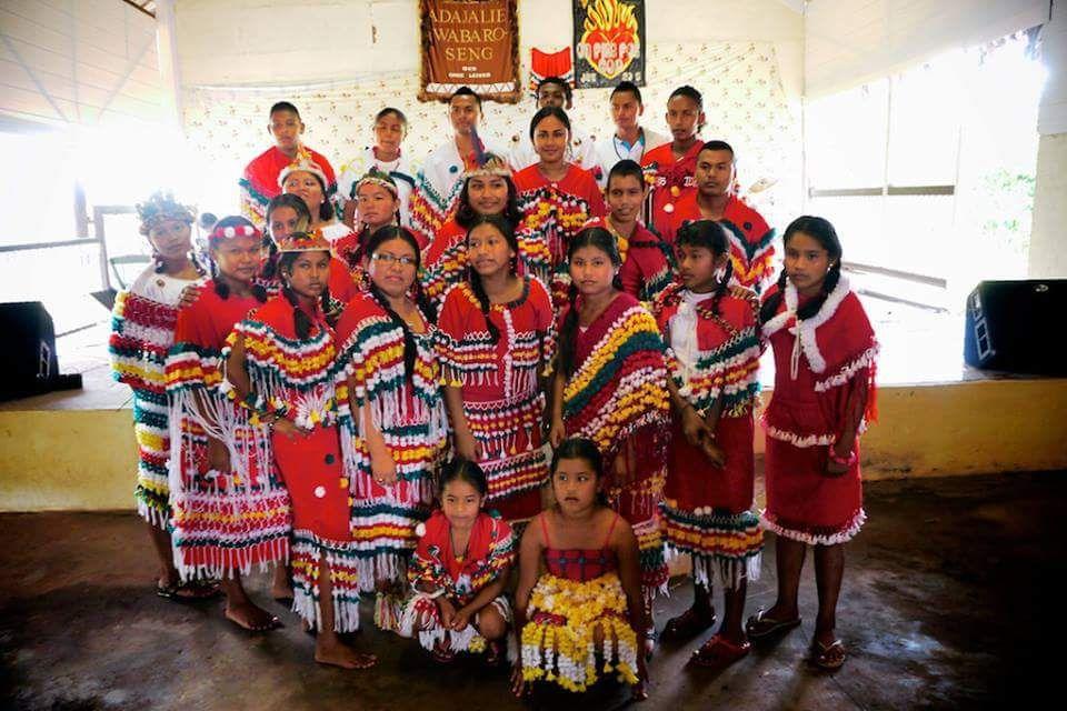 Arowak/Arawak Indiaan uit Pierrekondre (Suriname).   South ...   Arawak Indians Suriname South America
