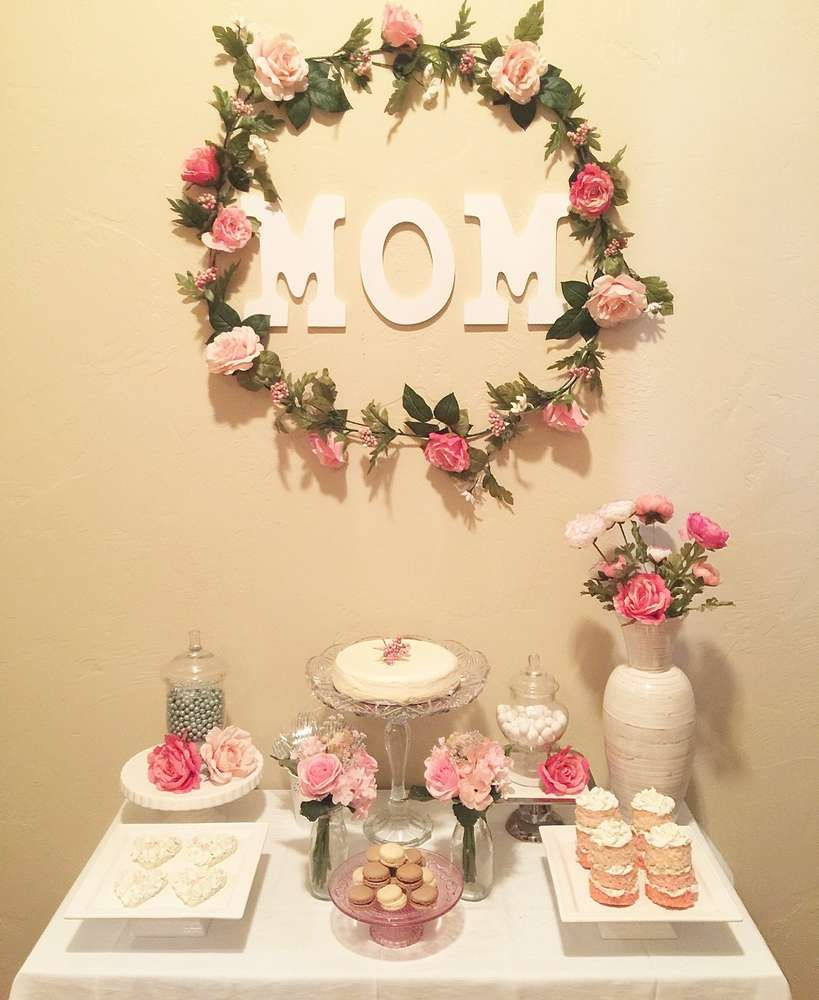 Mom turns catchmyparty lovely floral birthday party also florals ideas   th rh pinterest