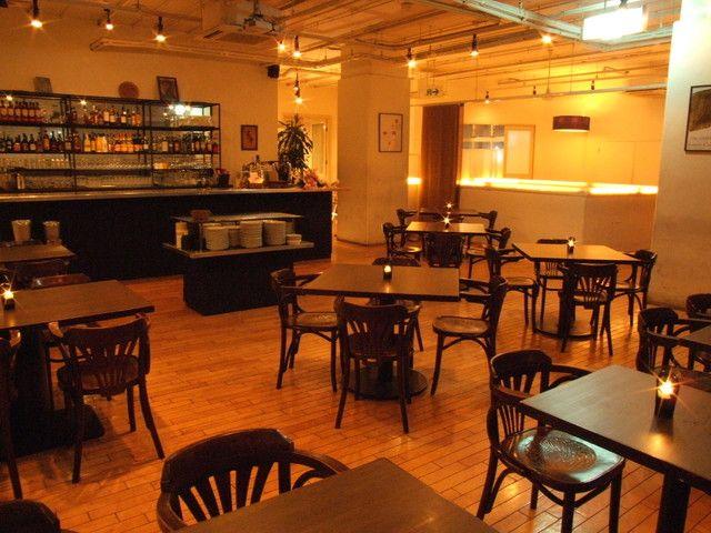 ガーブ ドレッシング (京橋/イタリアン)★★★☆☆3.51 ■京橋のランドマークとして有名なレストラン。 ランチ~ディナーまで幅広い使い方のできるお店…