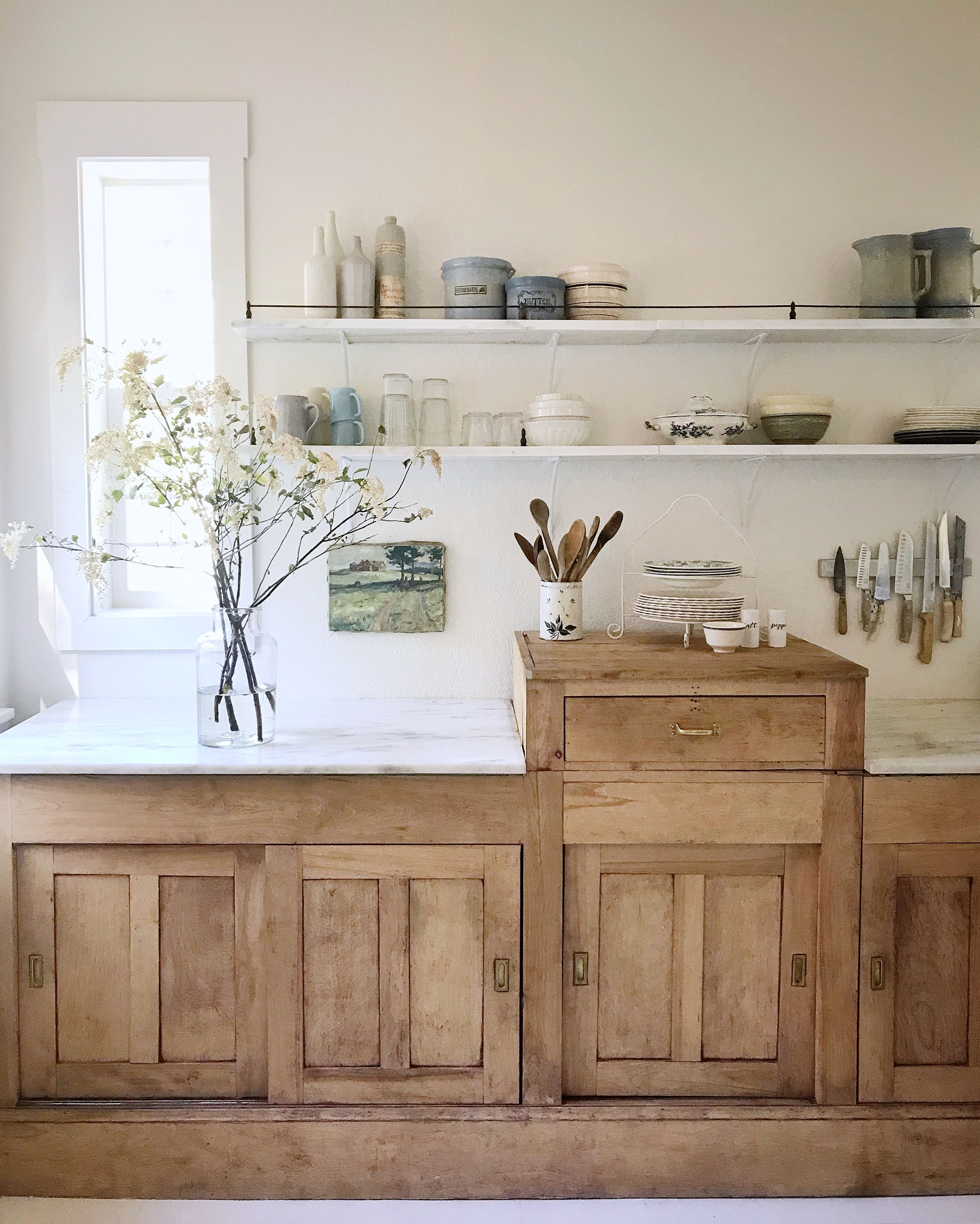 Themarketbeautiful Vintage Kitchen Inspiration Natural Wood Cabinet Marble Shel Kitchen Ideas Victorian House Wooden Kitchen Cabinets Farmhouse Kitchen Decor