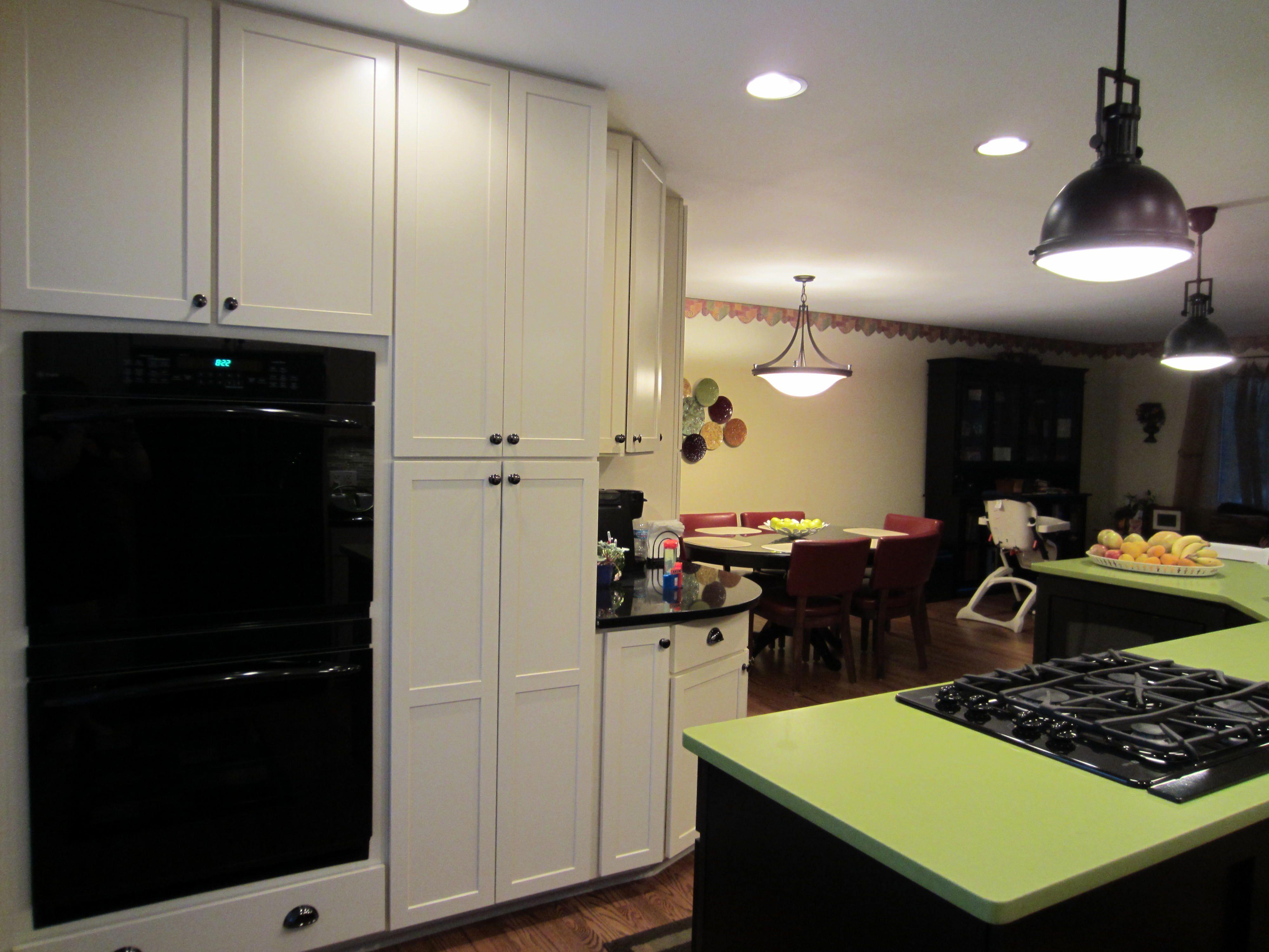 Apple Martini Green Quartz Counter Express Kitchen Bath Frankfort Il Kitchen Kitchen And Bath Kitchen Remodel