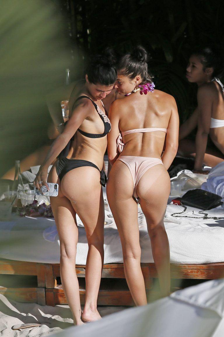 Paparazzi Ass Shanina Shaik naked photo 2017