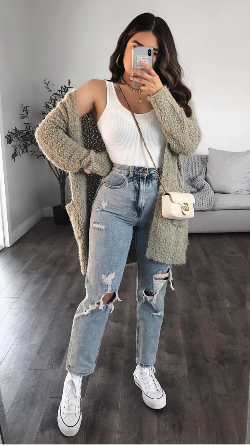 5 Ways to Style High Waisted Distressed Denim Jeans Gallery