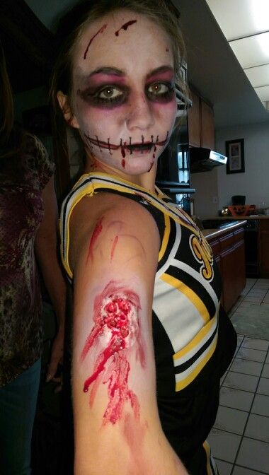 Halloween make-up for a walking dead party Birthday girl zombie - walking dead halloween costume ideas