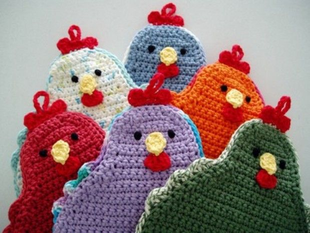 Knitted Potholders Free Patterns : [Free Pattern] Adorable Little Chicken Potholder To Brighten Up Your Kitchen!...