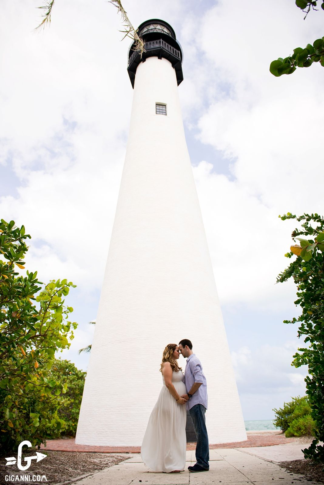 Engagement Session In Miami Front Of A Light House At The Key Biscayne Park Bill Baggs Cape State Pinterest And