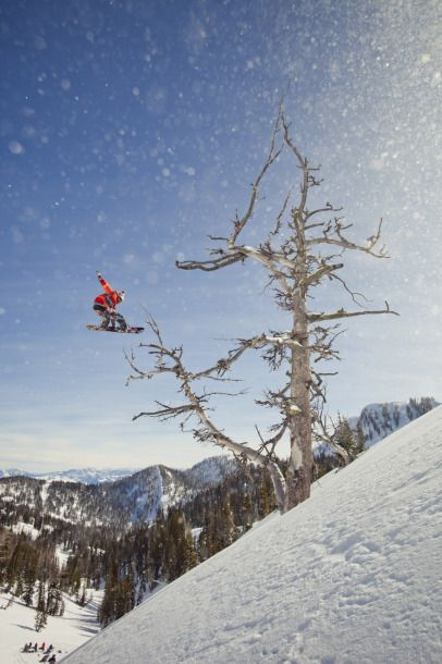 Travis Rice Filming For The Art Of Flight In Jackson Hole The Art Of Flight Snow Surfing Backcountry Snowboarding