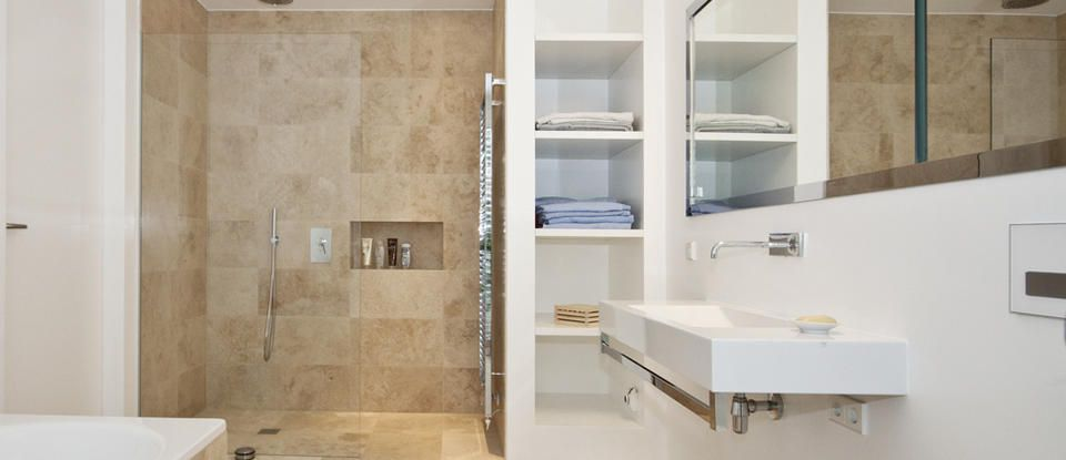 Travertin Beige - ROSSITTIS - Die Natursteinmarke Badezimmer - beiges bad