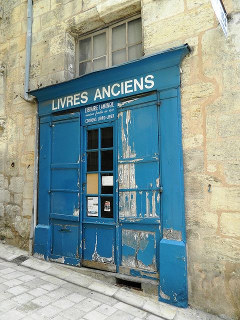 """Livres Anciens"", antiquarian bookshop in Perigueux, France via Flickr."