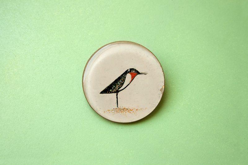 Rotkehlchen Runde Brosche von Pikolab auf DaWanda.com #Pikolab #HandmadeJewelry #Etsy #Dawanda #brooch #bird