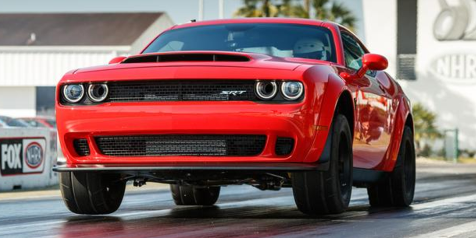 Here S Exactly How The Dodge Challenger Srt Demon Hits 0 60 In 2 3 Seconds Challenger Srt Demon 2018 Dodge Challenger Srt Srt Demon