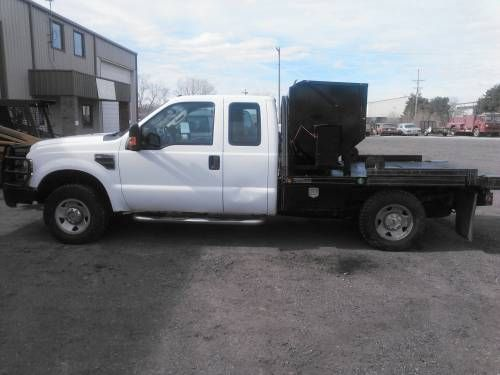 Ford F 250 Xl Ranch Truck For Sale With New 3c 2 000 Cattle Feeder With Digital Counter For More Information Click On The Farm Trucks Trucks Trucks For Sale